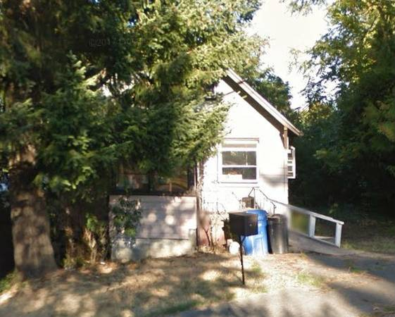 1 bedroom 1 bath fixer upper house in Seattle Washington!
