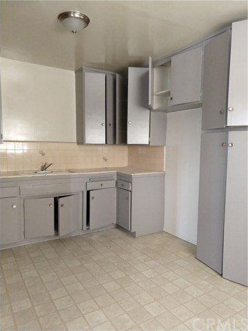 Spacious Alhambra Apartment for $1600 a Month