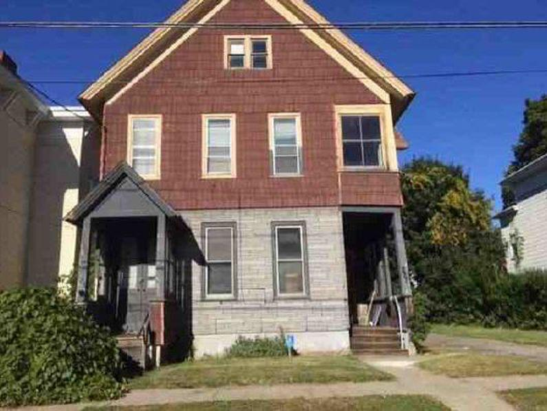 Duplex Family Home w/6 Bedrooms $17,900 Fix Up this Money Maker!