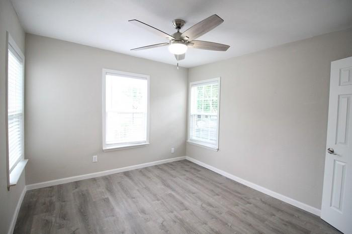 MOVE IN READY 2 beds1 bath800 sqft...APPLY NOW