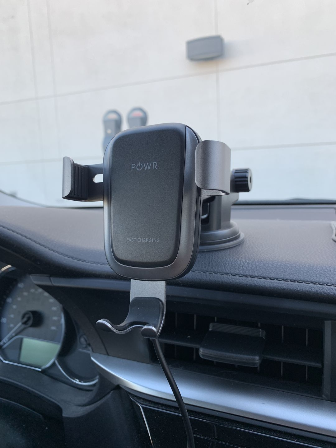 Best Wireless Car Charger for iPhone