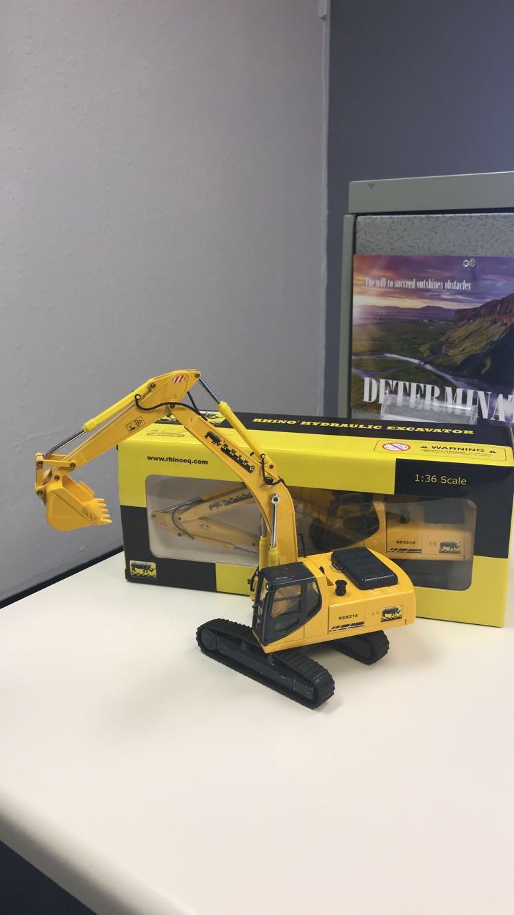 Mini Excavator ( Toy)