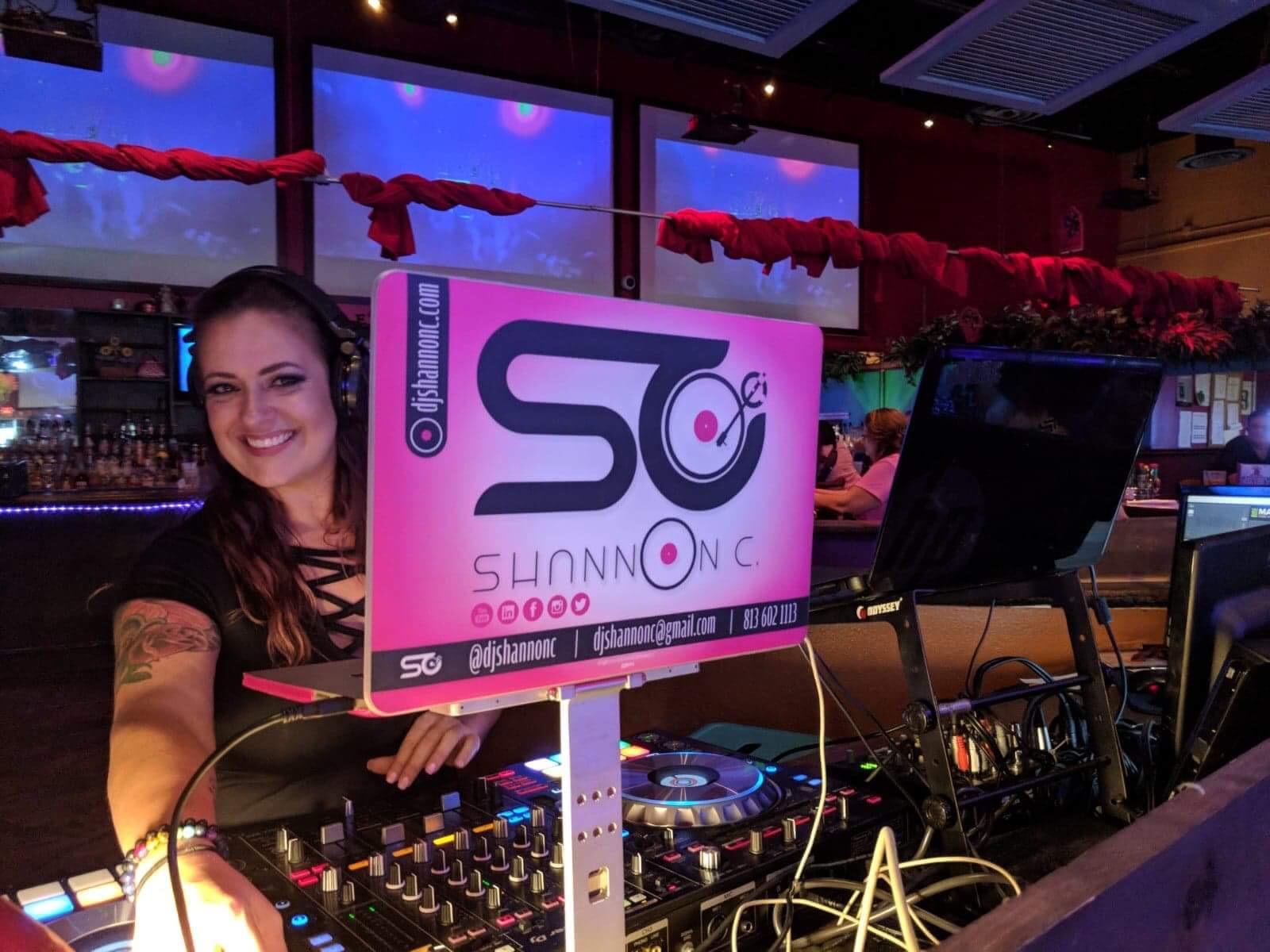 Female DJ in Tampa, Florida