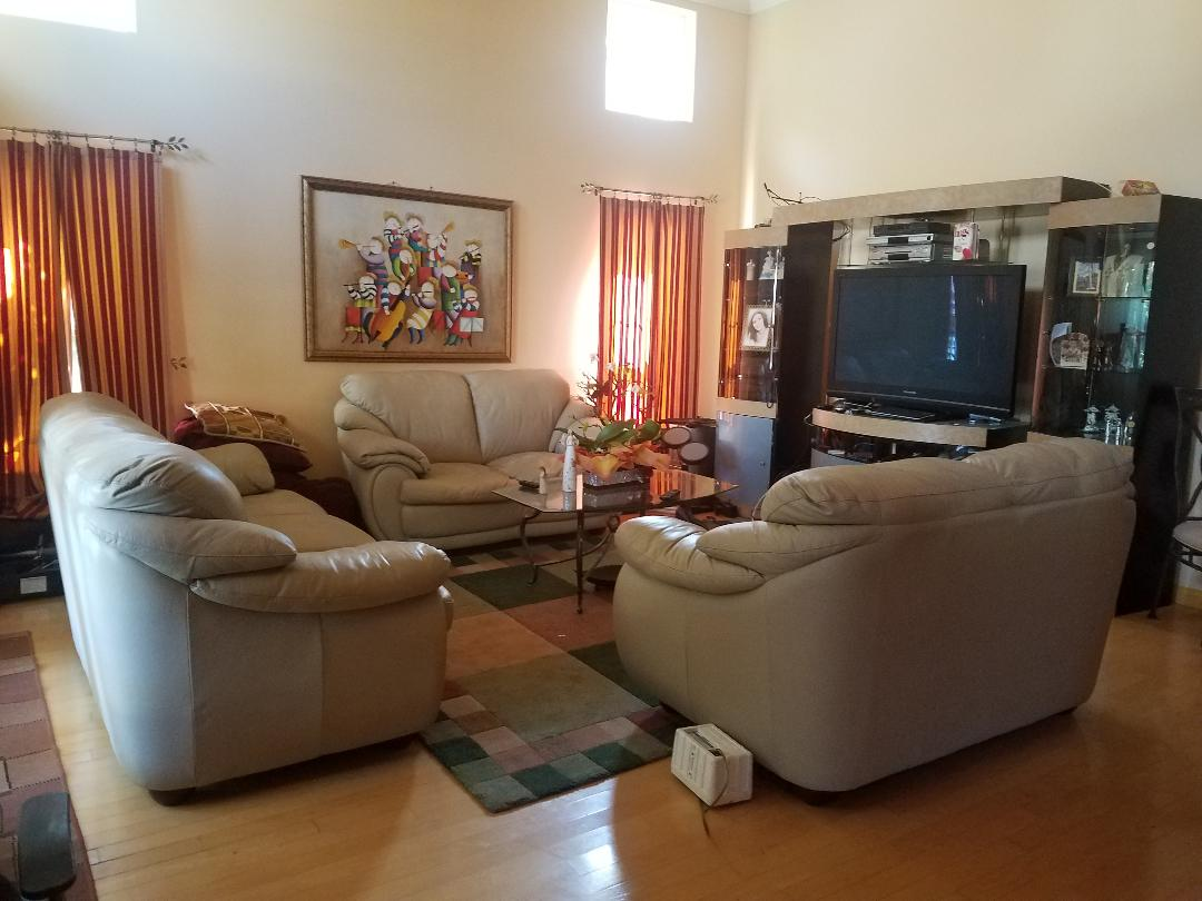 Beautiful House for rent , buy rooms in Pasadena, Next to San MArino