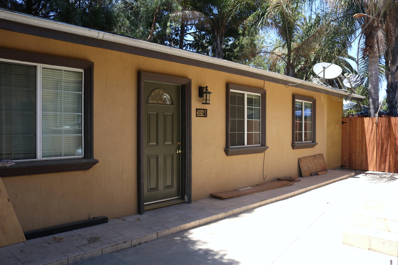 Prime 2/2B  Reseda Home with backyard $2795