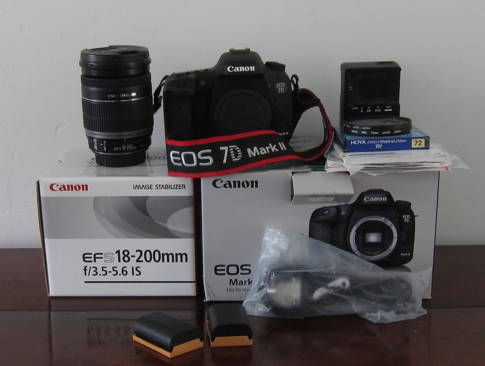 Canon EOS 7D Mark II body with Canon EF-S 18-200mm f/3.5-5.6 IS Lens