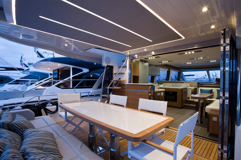 Luxury Yacht | Authorized dealer of Greenline Yachts