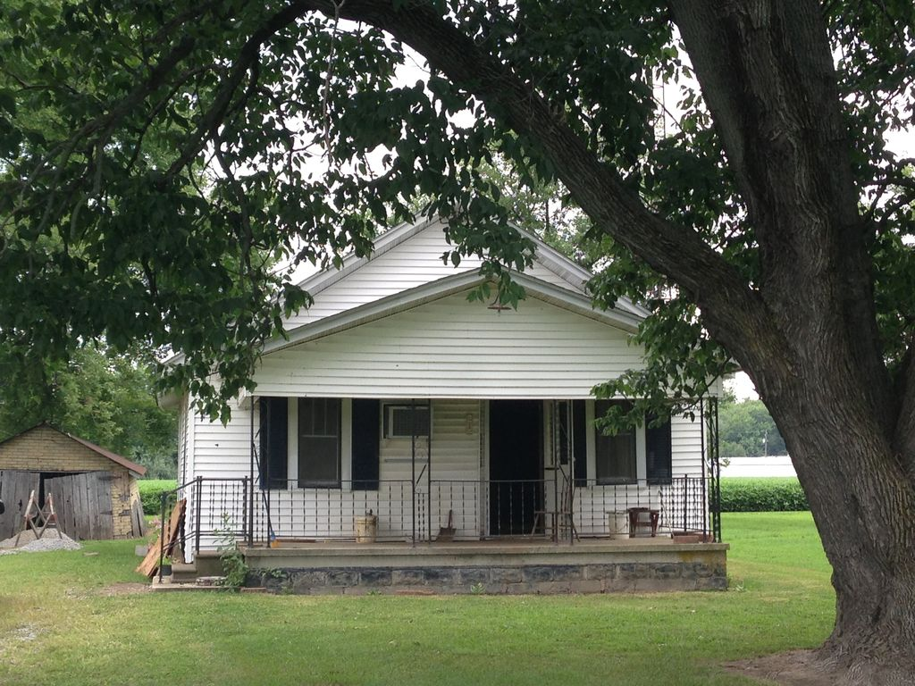 2 Bedroom 1 Bath Sleeps 4-7 Extremely Close To Rend Lake Hunt,fish, & Golf