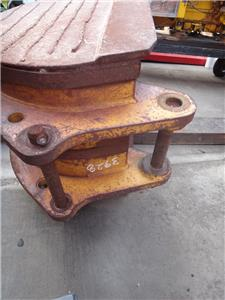 EXCAVATOR BACKHOE DIGGING BUCKET PIN ON ATTACHMENT