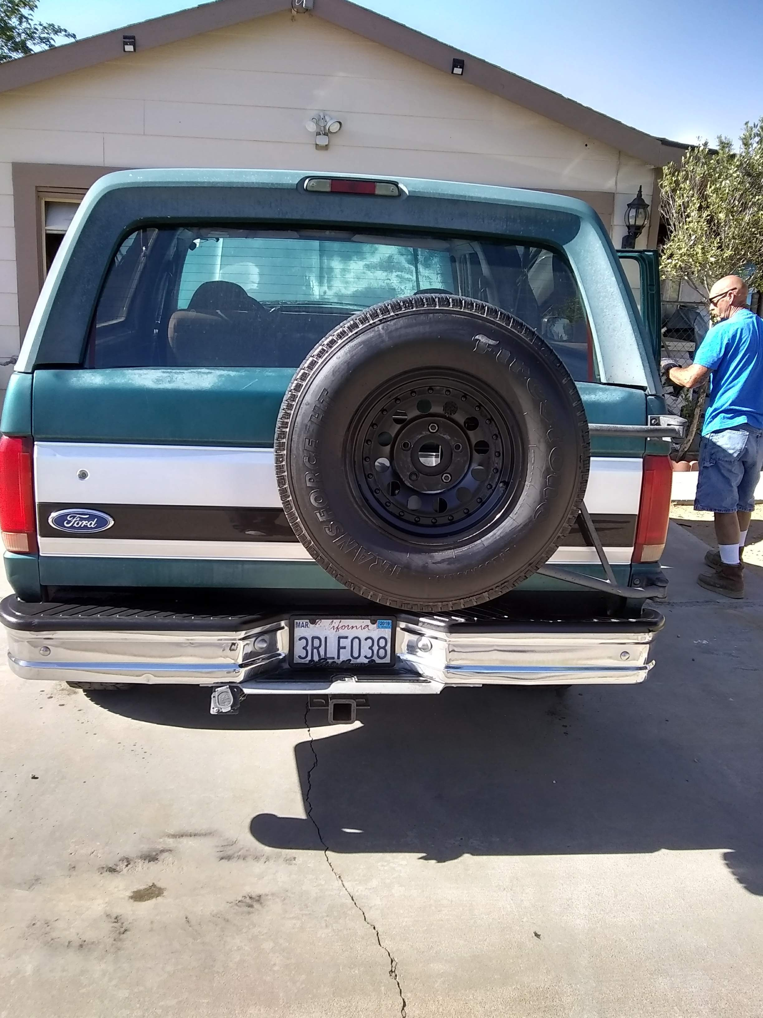 Highly sought by collectors. 9y ford bronco 4x4 eddie baur edition. Re