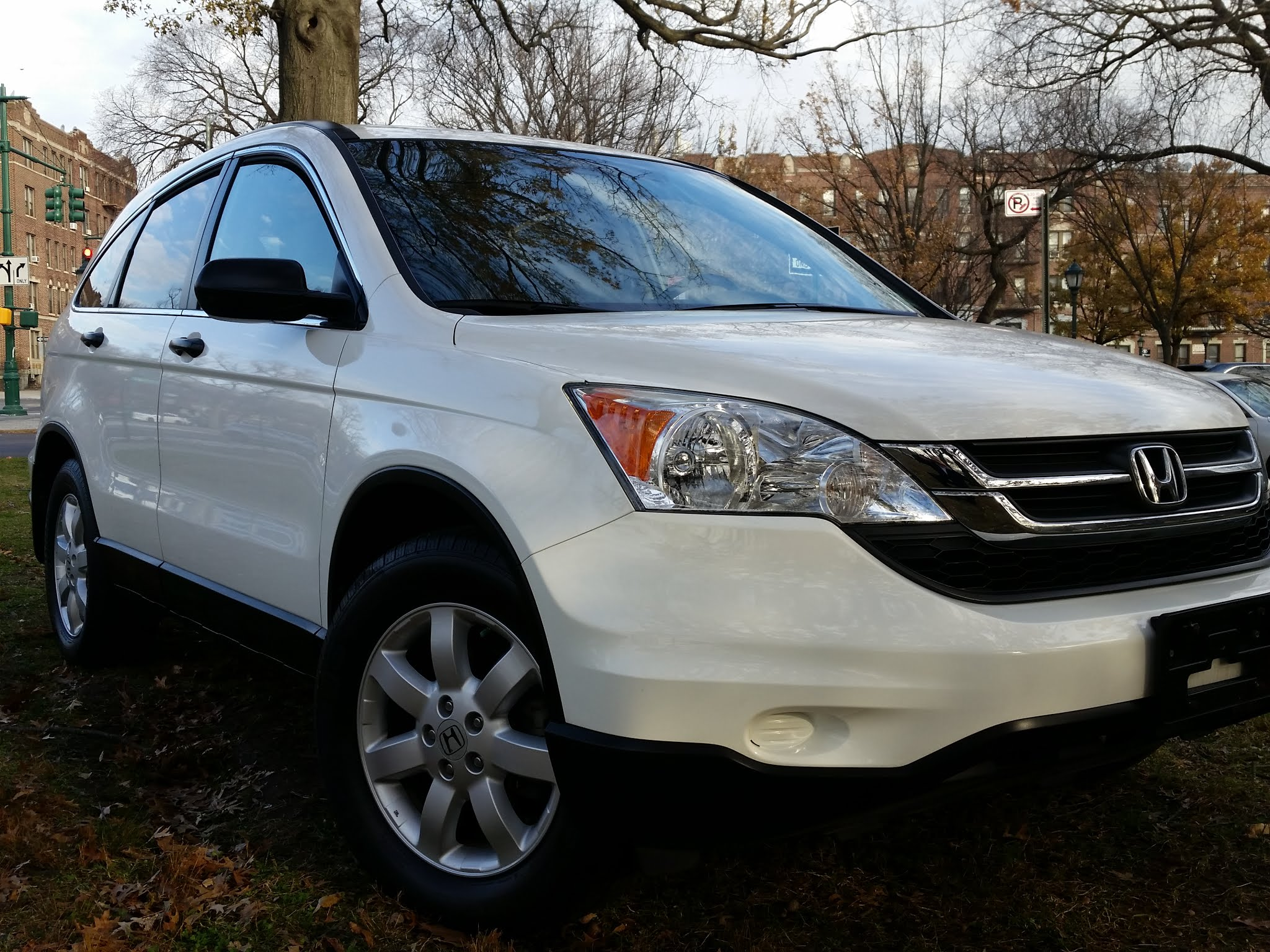 This is 2011 Honda CR-V SE ' One Owner ' 40k Miles $9,500