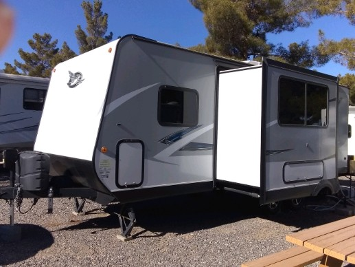 2017 Jayco travel trailer w slide