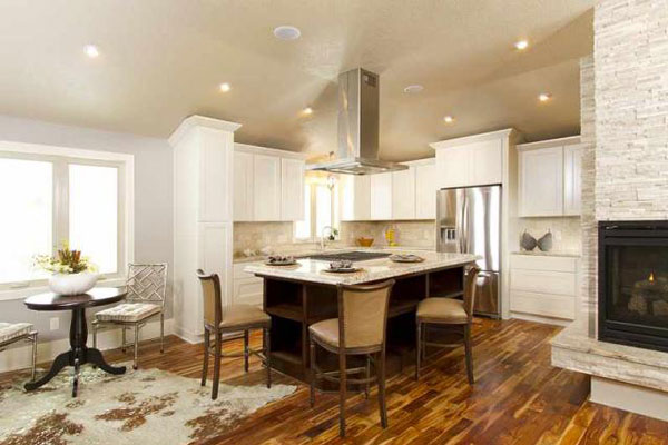 Contrasting Cherry Kitchen Cabinets from GEC Cabinet Depot