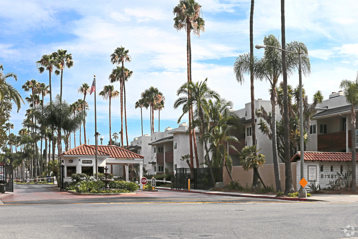 Pennysaver offering 1 bedroom apartment close to - 1 bedroom apartment long beach ca ...