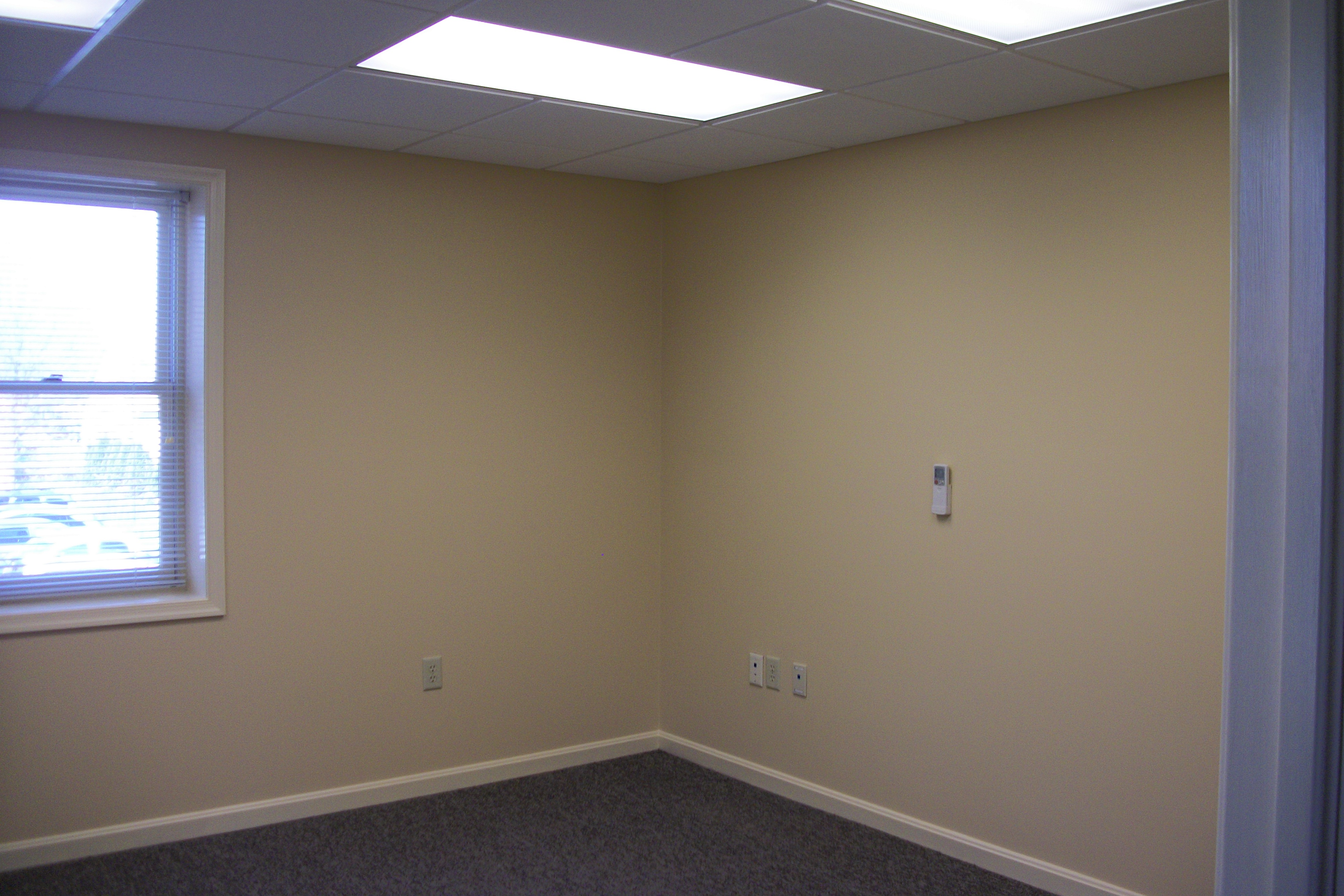 Office/warehouse space-great for growing company
