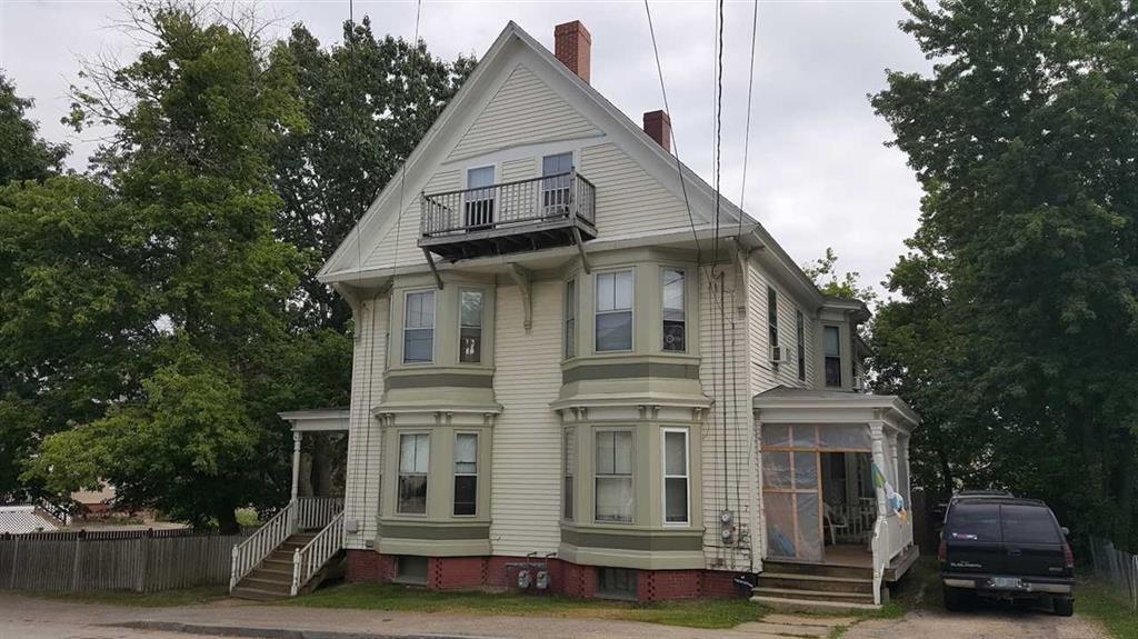 Large 5 bedroom townhouse style duplex! Walk to historic downtown Dover.