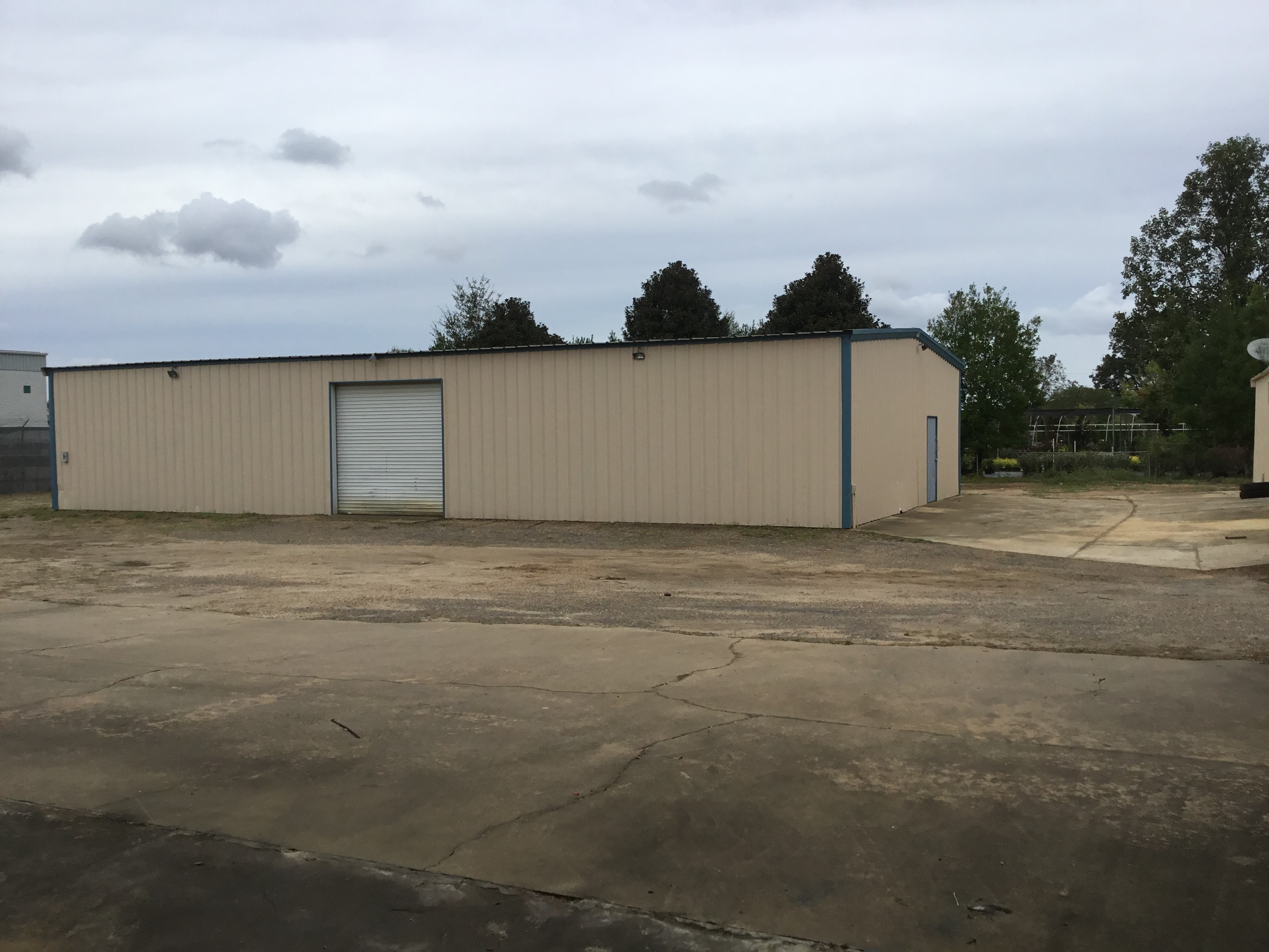2,100 sq.ft. - Warehouse / Storage Area for Rent