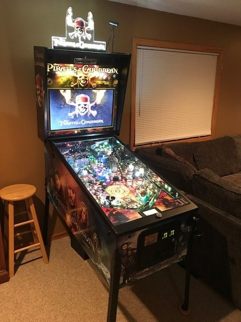 PIRATES OF THE CARIBBEAN (LE) classic pinball game