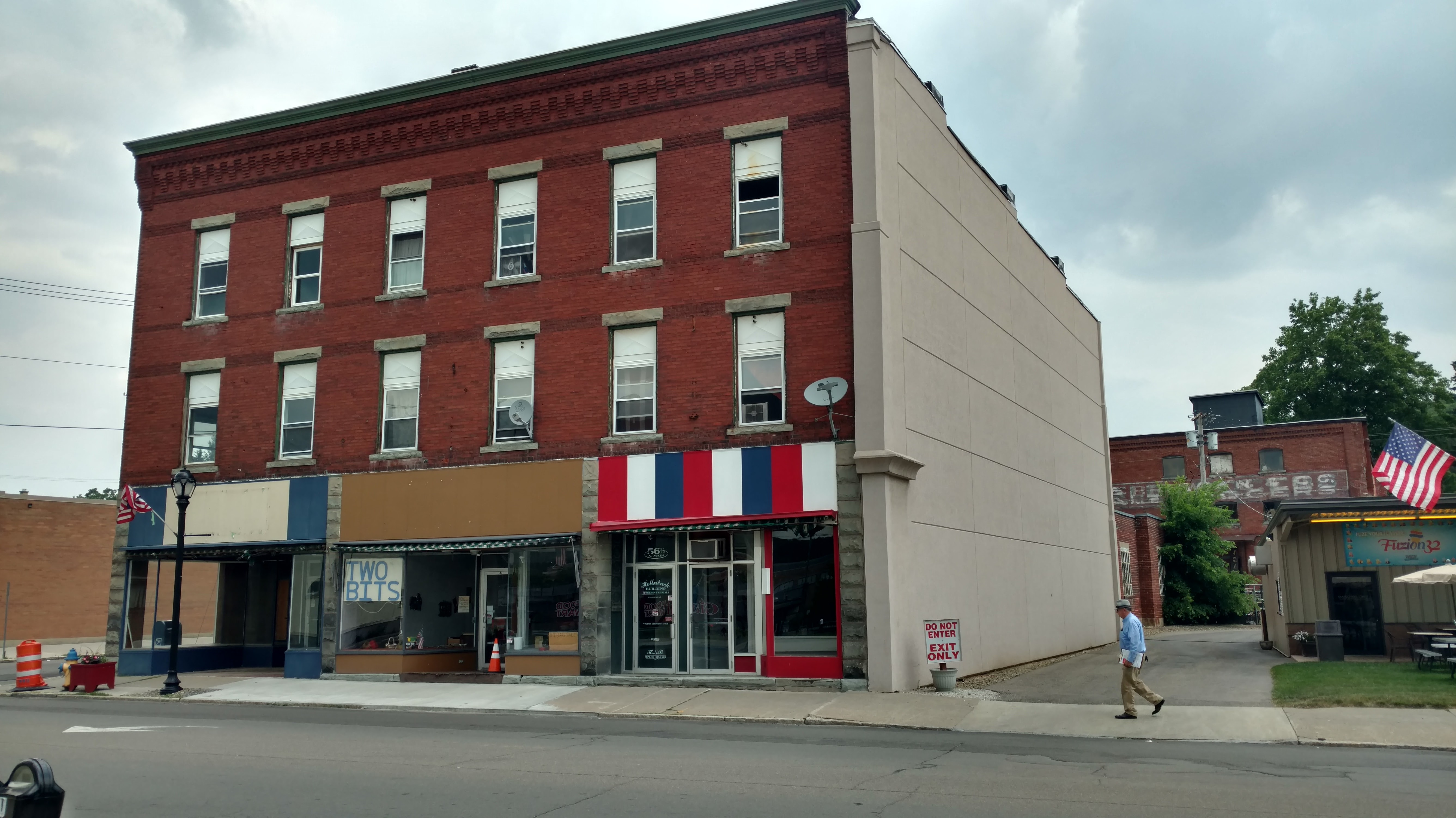 Remember 52 North Main Street? we are looking to cut the space in 1/2, at 1/2 the rent.