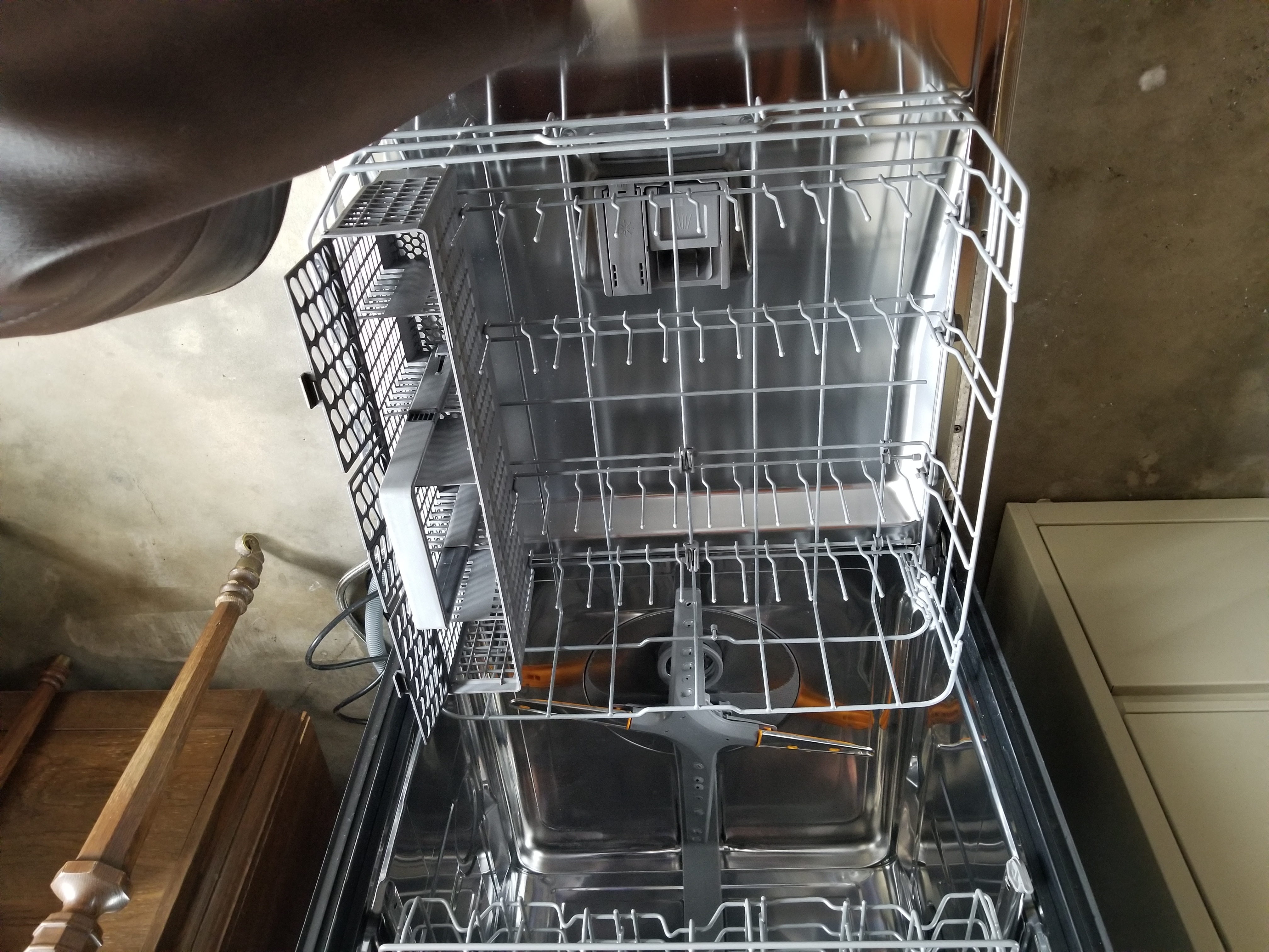 Maytag Dishwasher (8 months old!!)