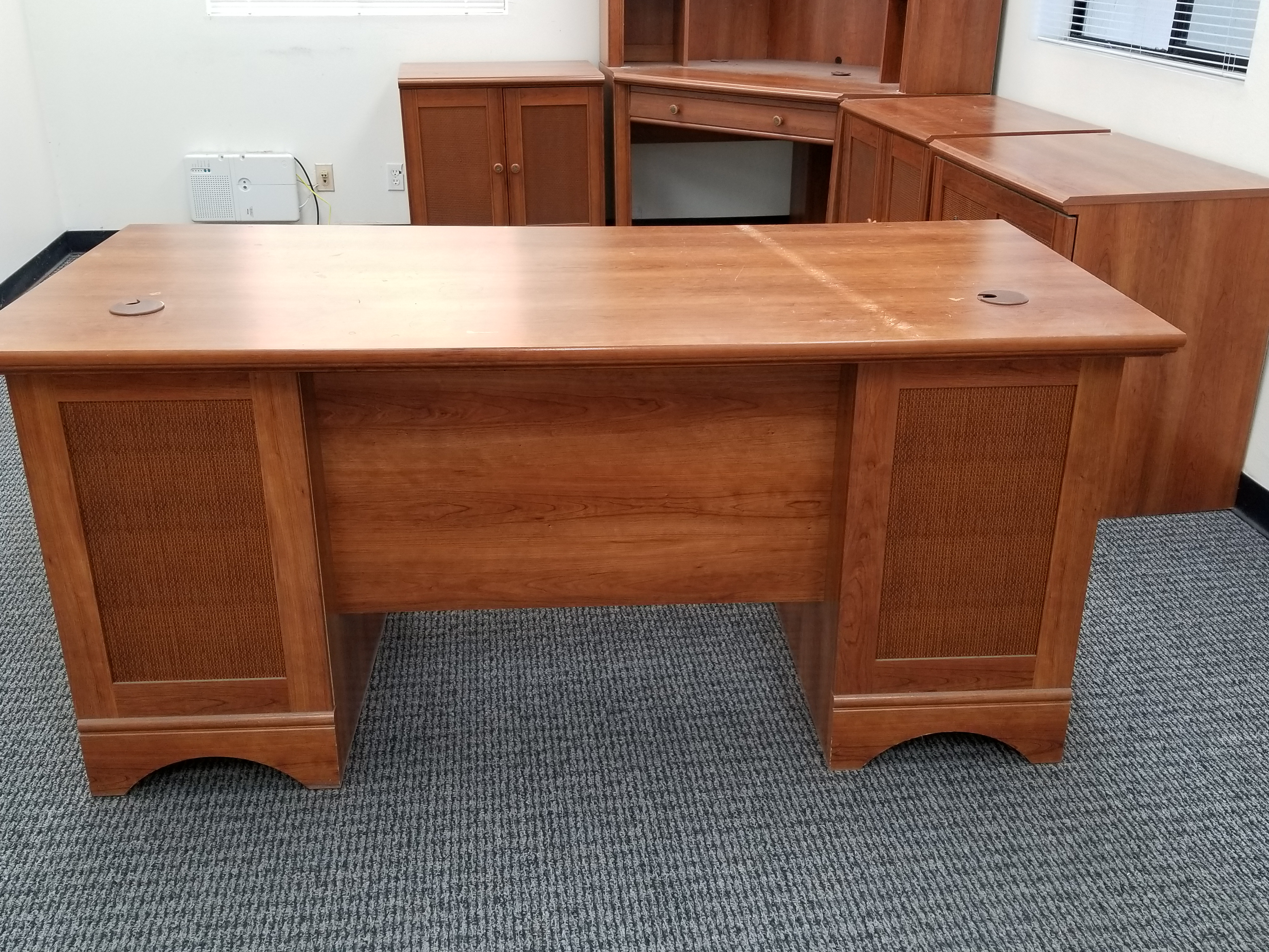 Free Used Office Furniture In Riverside