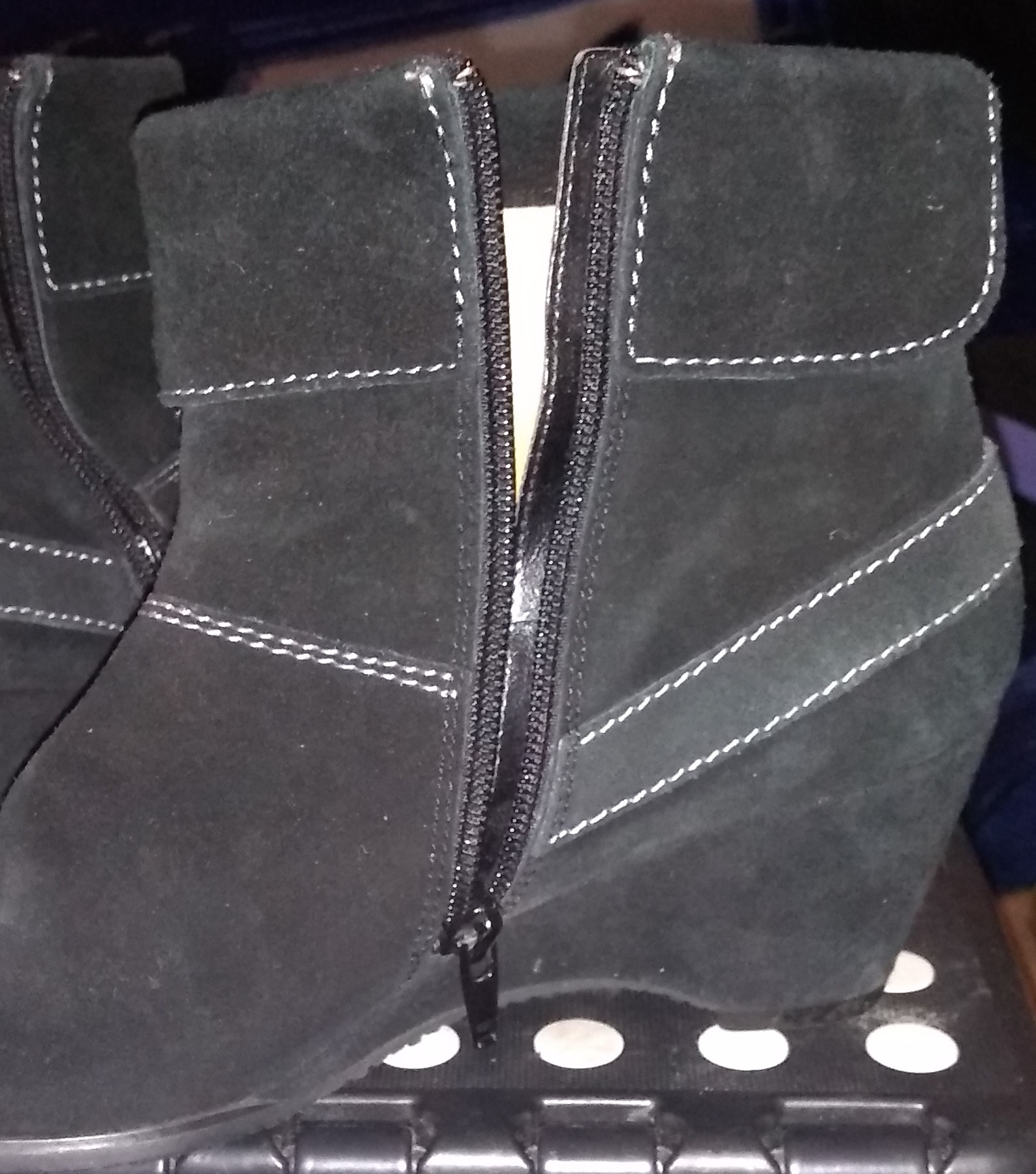 WOMEN'S ANKLE BOOT - $5