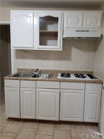 Studio Back House in Downey for $800 a Month!!!!
