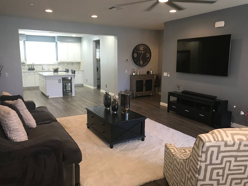 Upgraded Condo for Sale in Murrieta CA