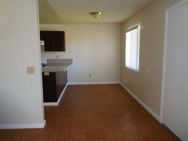 2 Bedrooms 1 Bathroom in Adelanto with Washer and Dryer Hookups in Adelanto!!!