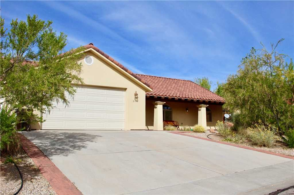 Beautiful  Stand Alone Home Near Moab Golf Course With Amazing Unfenced Yard