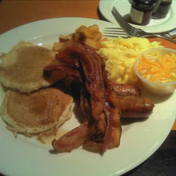 Breakfast Near Me | Best Breakfast Near Me | Seafood Lunch Mystic CT | Best Breakfast