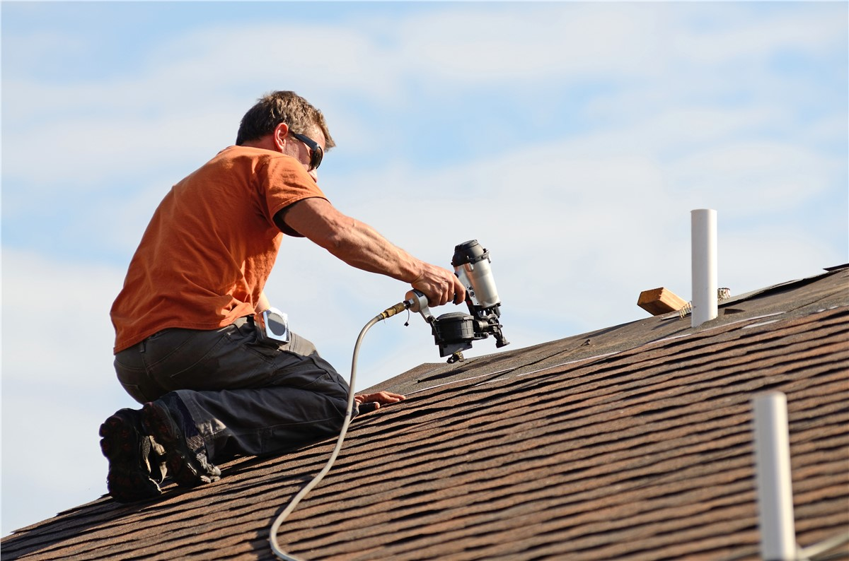 Expert roof repair offering  roofing in Dallas Texas