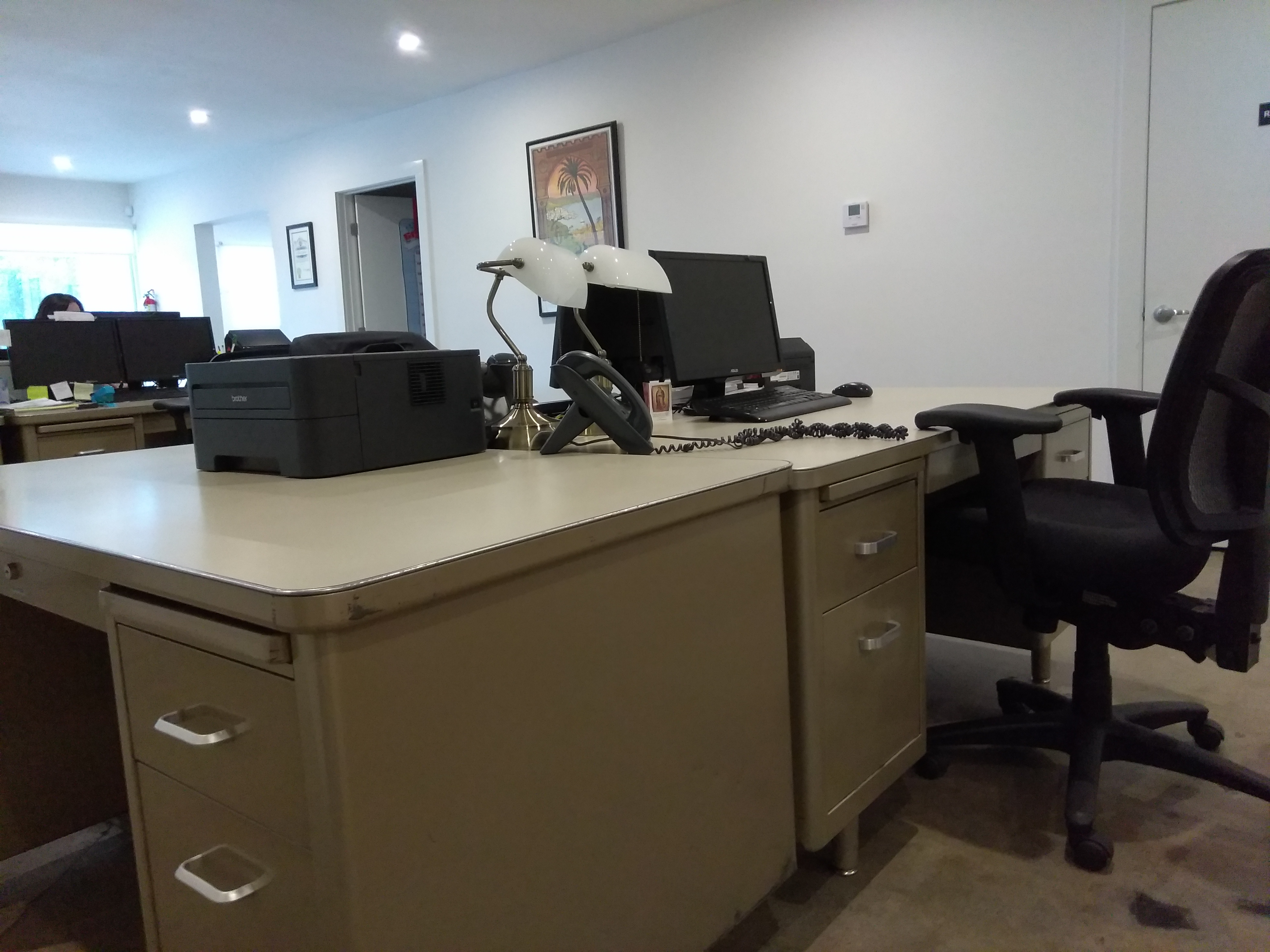 SHARED OFFICE: Private Office or Desk