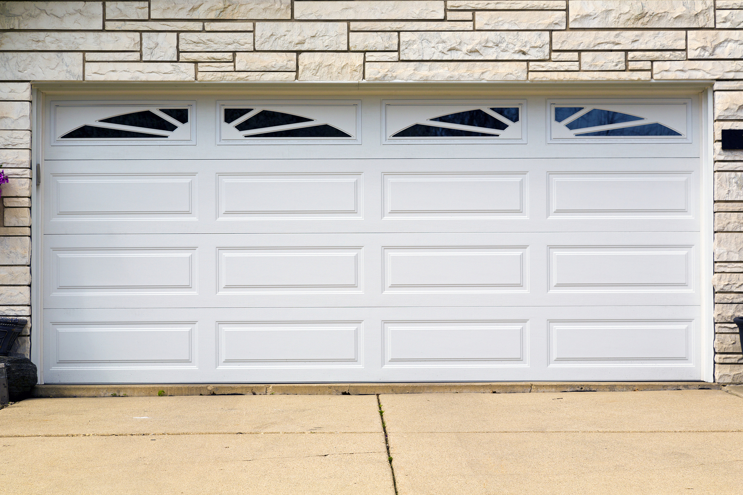 GARAGE DOOR REPAIR      **FREE ESTIMATES**
