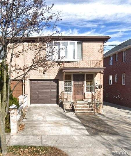 ID: (LEP) Brick 2 Family House For Sale In Whitestone