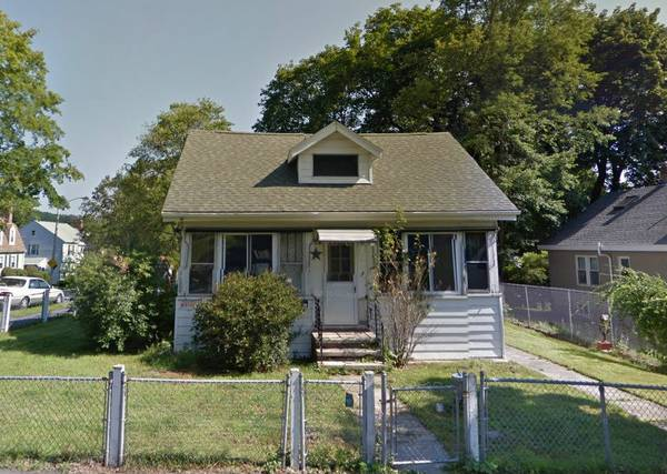 1 bedroom 1 bath fixer upper house in Worcester Massachusetts!