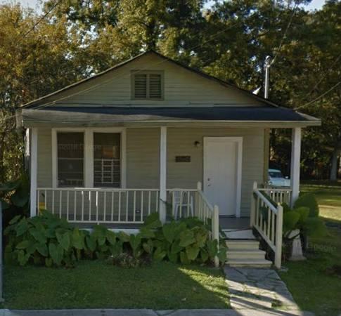 2 bedroom 1 bath fixer upper house in Baton Rouge Louisiana!