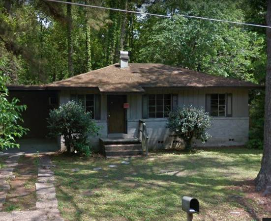 2 bedroom 1 bath fixer upper house in Tallahassee Florida!