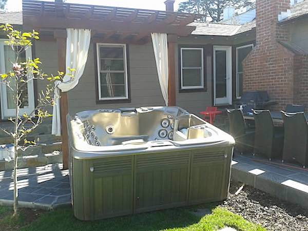 Spa/ Hot tub relocation, Disposal service Spa Donation, Spa cover protectant, Spa sales at low cost