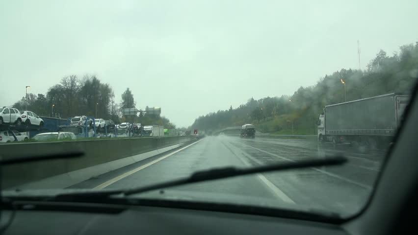 Windscreen Repairfrom CSR windscreens inPerth
