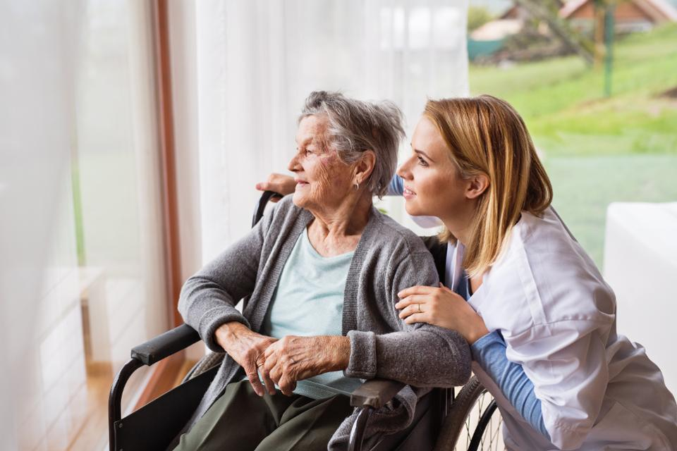 Montgomery Home Care Providers Can Help Seniors Recover from Injuries Quickly