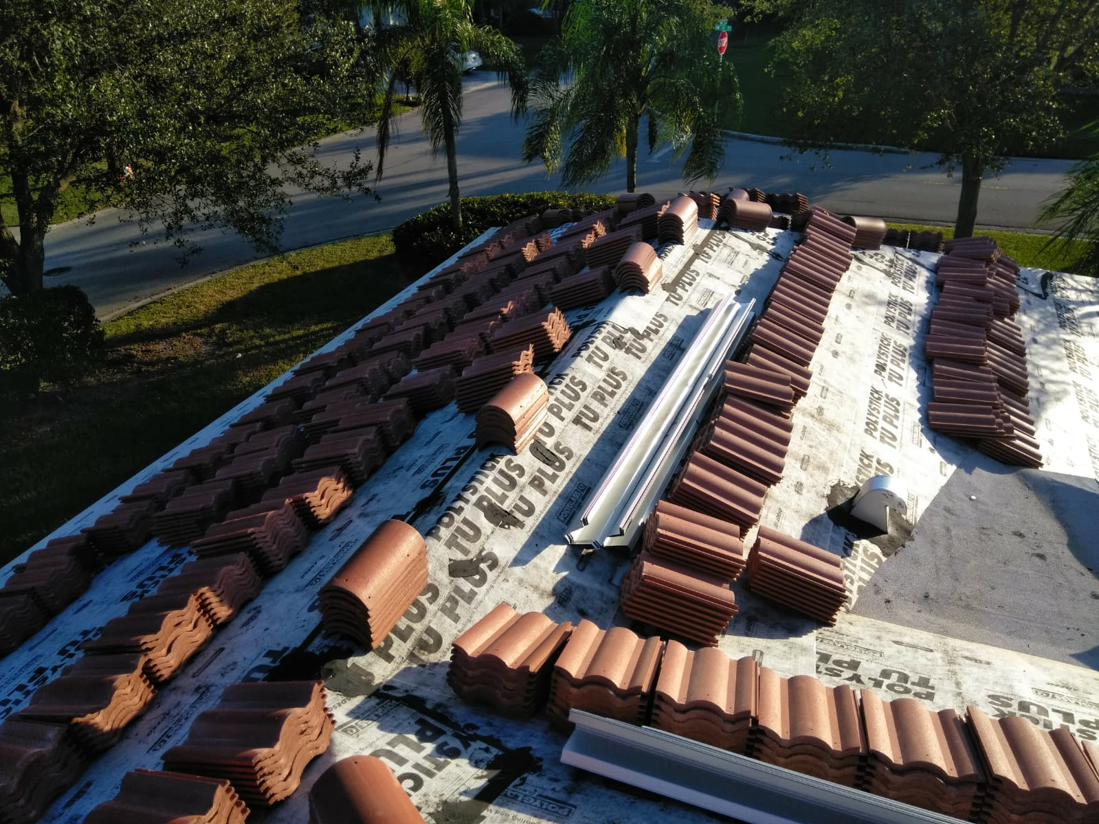 DAVIE, FL:.ROOF MAINTENANCE, ROOF REPAIR, REPARACION DE TECHOS