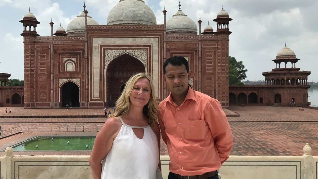 Excellent Same Day Agra Tour Via Car