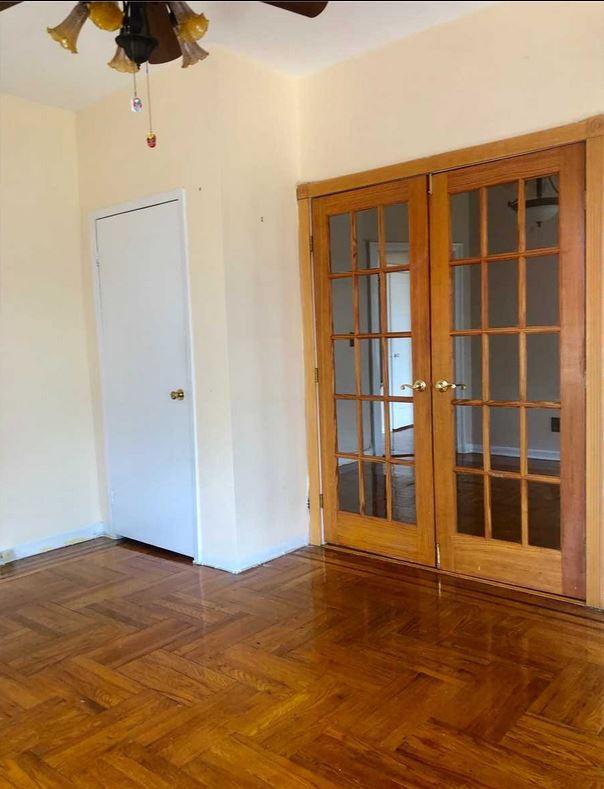 ID#: 1348323 Beautiful Apartment in Pre-War Tudor Style Building
