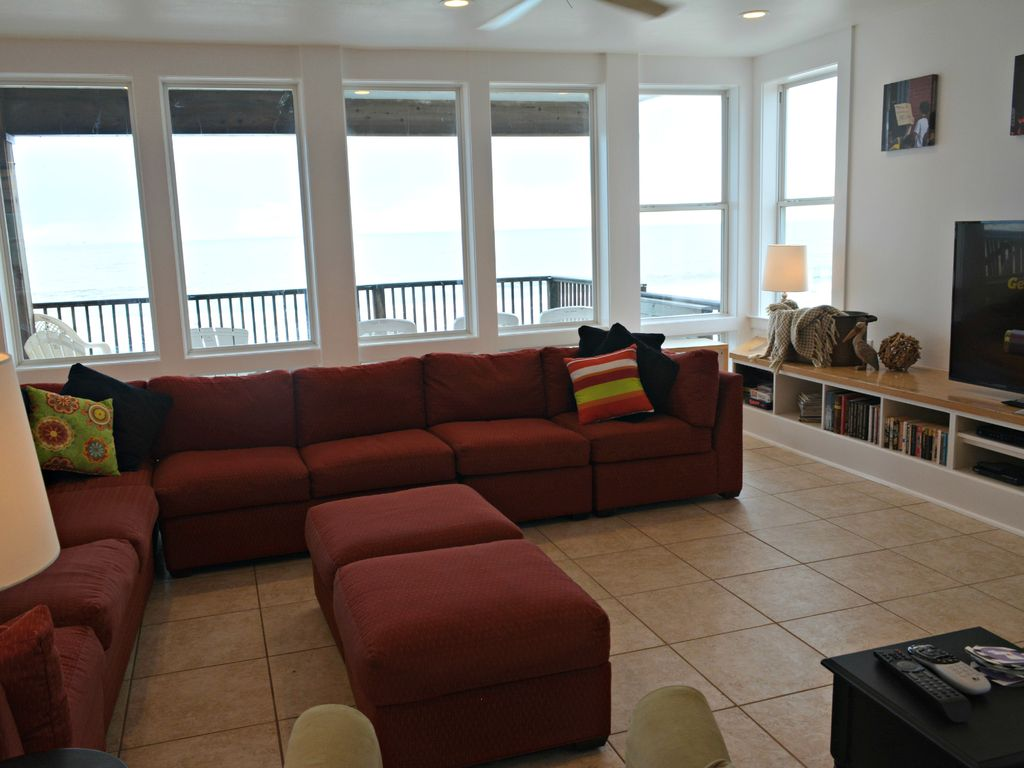 5BDR/4BA, The Salty Pelican Beach House- Beautiful Unobstructed Beach & Ocean Front Views