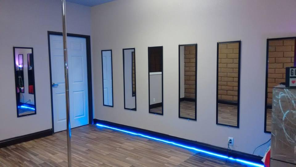 Studio/office art space share program