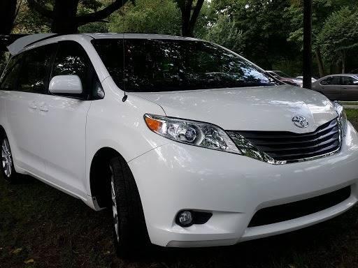 WHITE --- 2014 TOYOTA SIENNA XLE 'AWD' 50k Miles $16,995