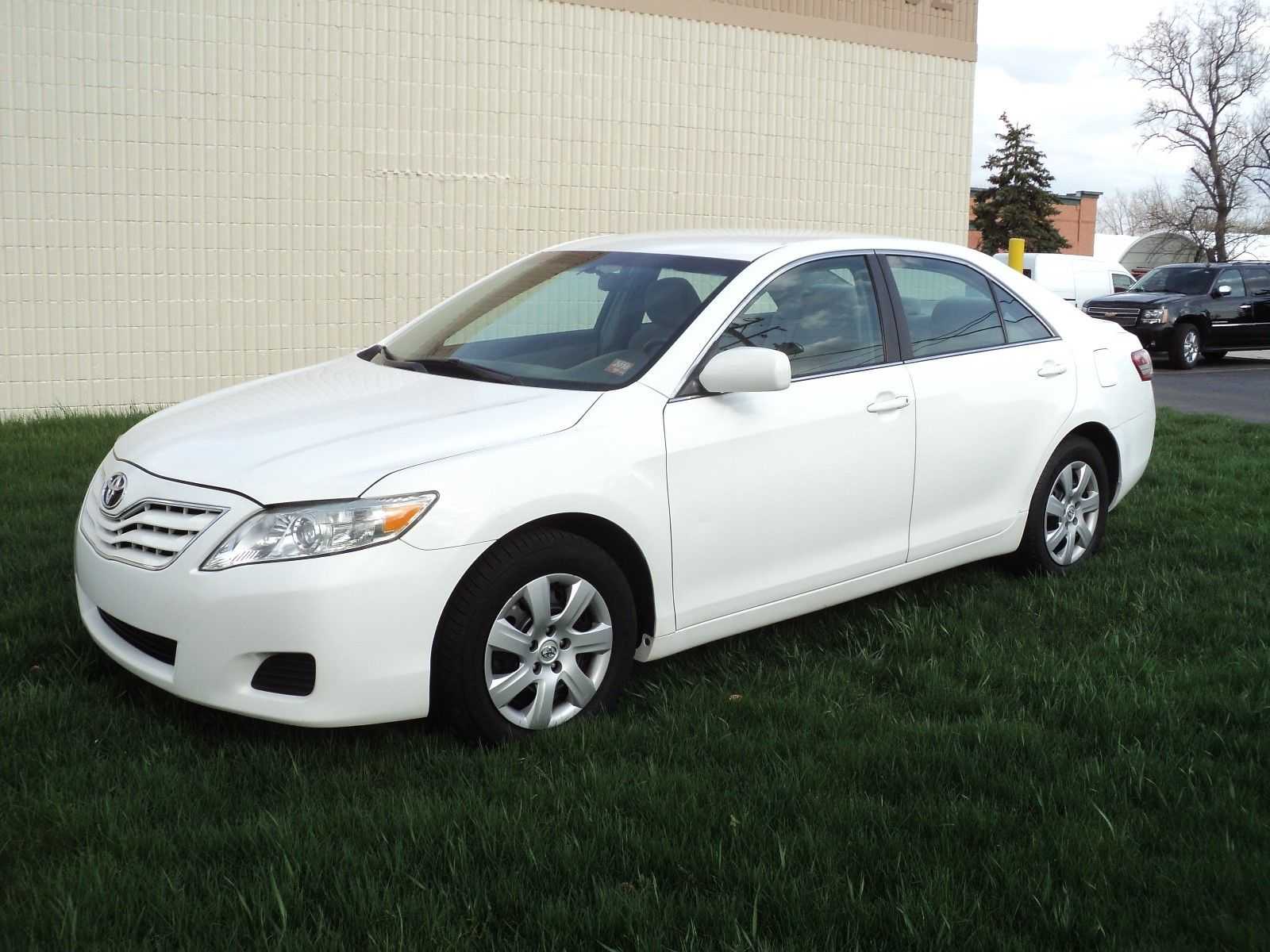 Toyota Camry Le 2010 White