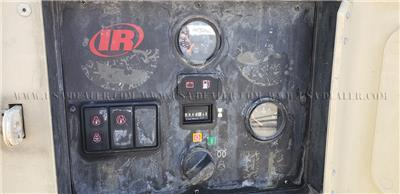2005 INGERSOLL RAND P185JD AIR COMPRESSOR