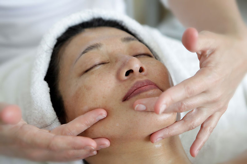 Special Discounts on Best Facial Treatments in Aurora